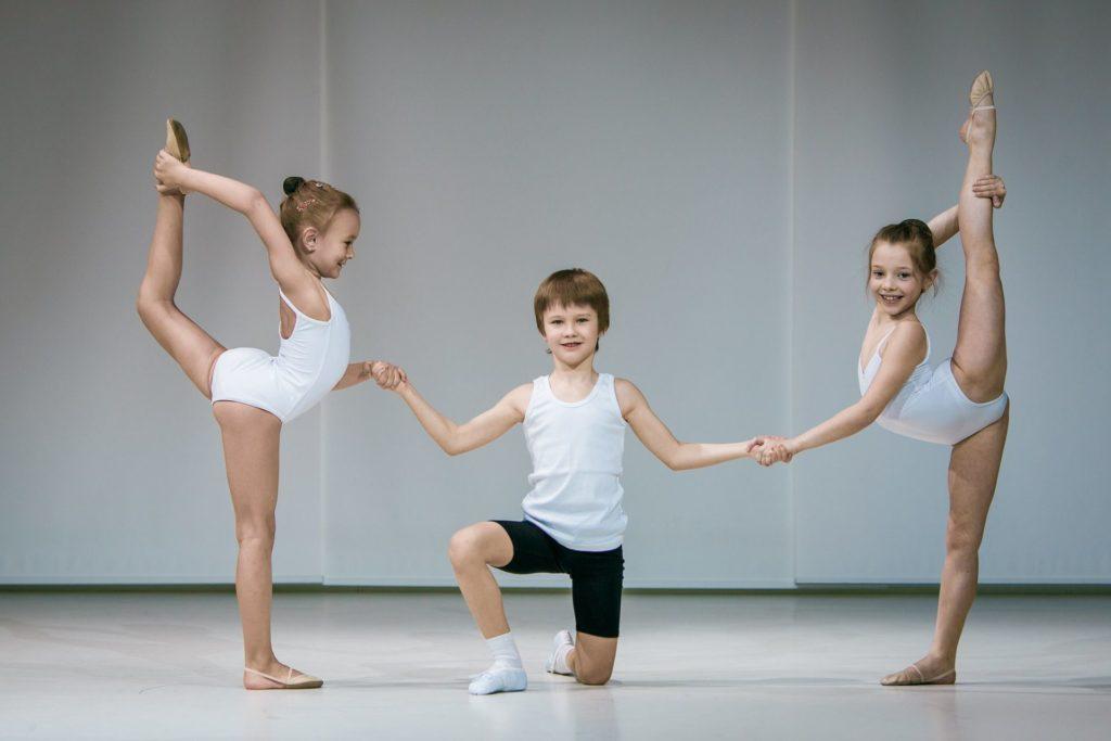 Элементы классической хореографии для детей с хорошей растяжкой