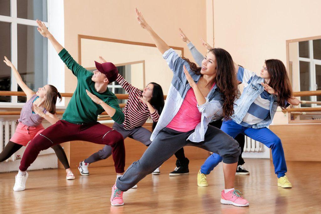 урок современной хореографии